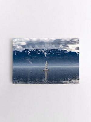 drobė laivelis kalnų ežere