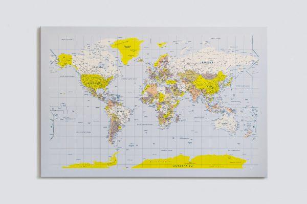 Pasaulio žemėlapis su smeigtukais (geltonas, detalus) 1