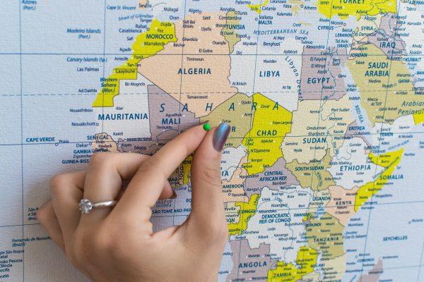 Geltonas, detalus pasaulio žemėlapis iš arti