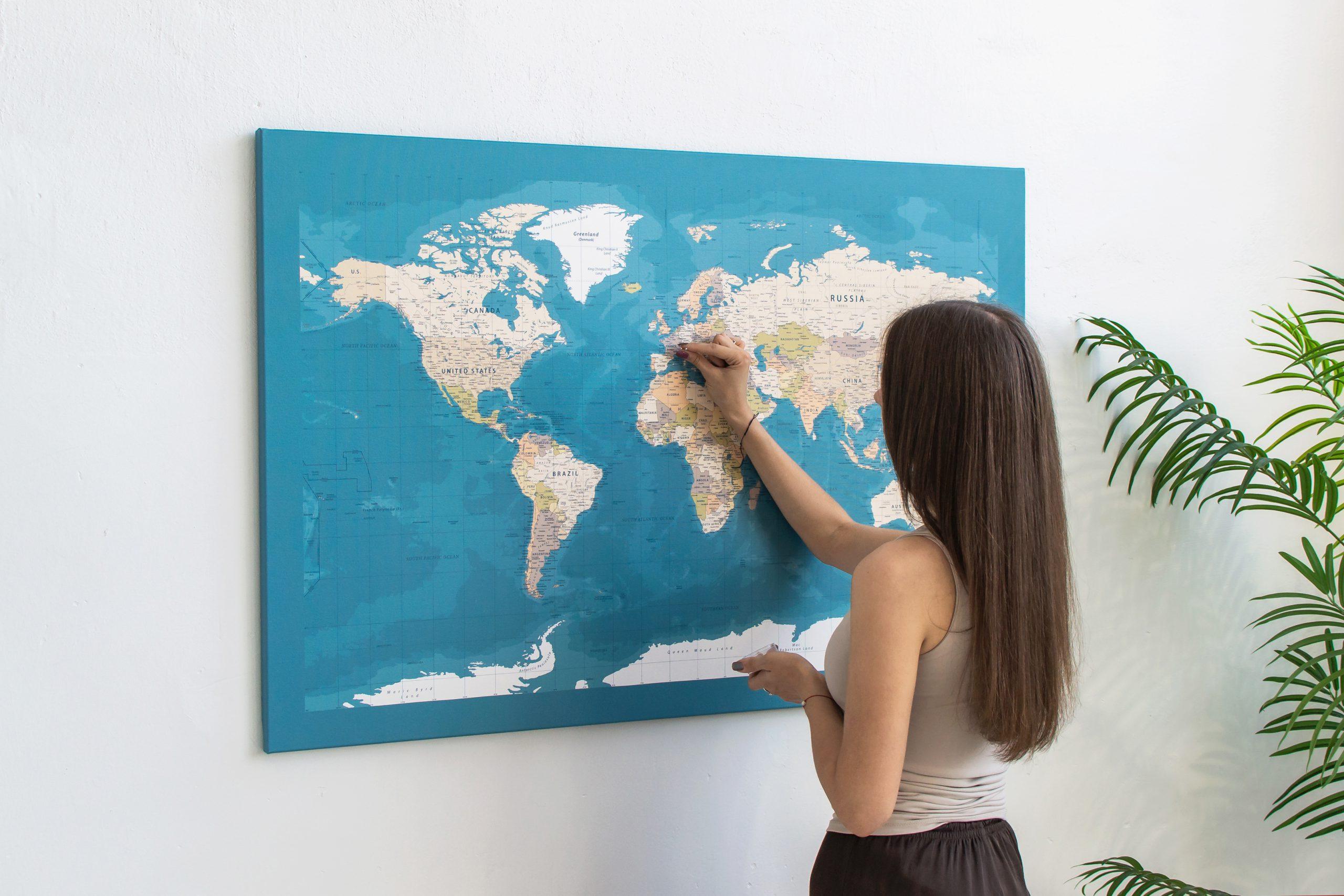 Mėlynas, detalus pasaulio žemėlapis iš toli