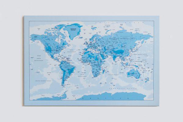 Žydras, detalus pasaulio žemėlapis ant sienos